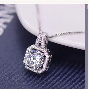 Jewelry - Austrian Crystal  pendant necklace